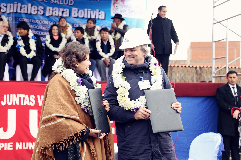 RUBAU - SIGNATURA CONTRACTE HOSPITAL EL ALTO. BOLIVIA